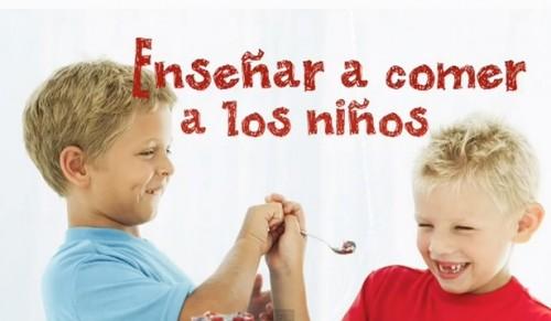 Como enseñar buenos modales en la mesa a los niños