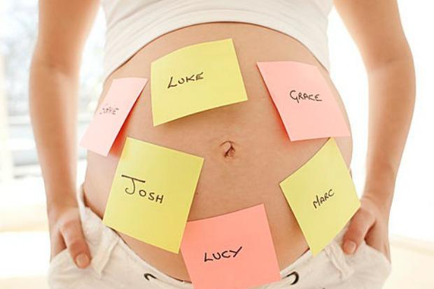 embarazada-con-nombres-para-bebe