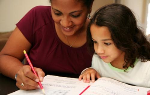 Cómo ayudar a sus Hijos en la Escuela